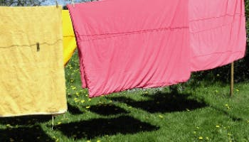 This is How Often Should You Wash Sheets and Pillowcases (+Cleaning Tips)